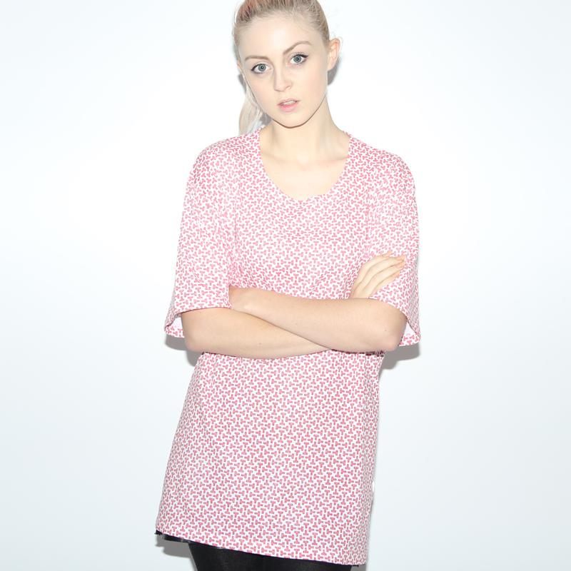 T Pattern Women's Oversized T-shirt - Tom Vek